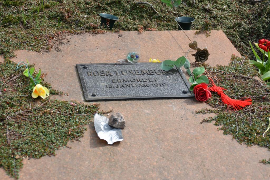 Gedenkplatte für Rosa Luxemburg. Foto: Ulrich Horb