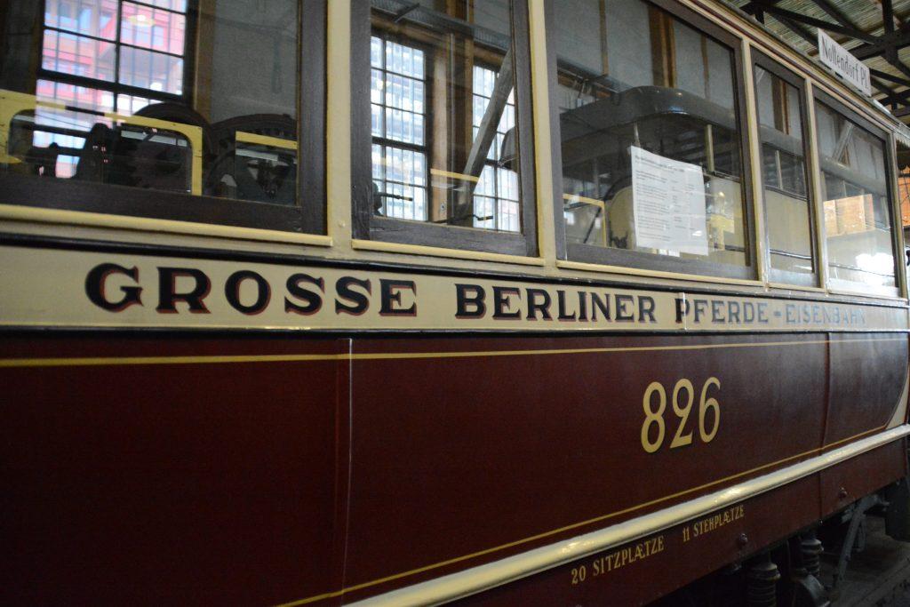 Pferede-Eisenbahn im Depot für Kommunalverkehr in Berlin-Schöneberg. Foto: Ulrich Horb