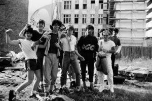 Jugendgang The Us an der Friedrichstraße. Foto: Ulrich Horb