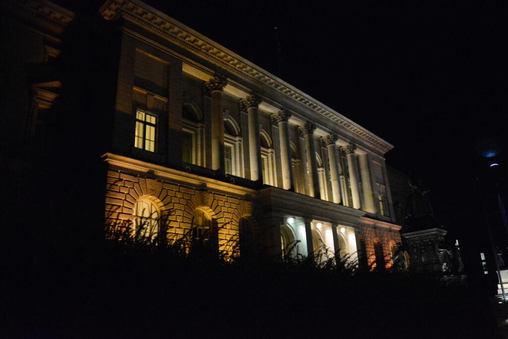 Abgeordnetenhaus von Berlin: Abendaufnahme. Foto: Ulrich Horb