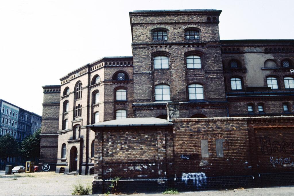 Altes Lagergebäude in der Wrangelstraße. Foto: Ulrich Horb