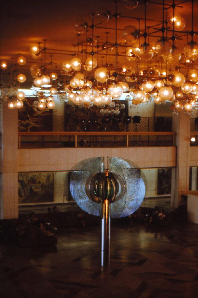 Palast der Republik: Blick ins Innere. Foto: Archiv Ulrich Horb