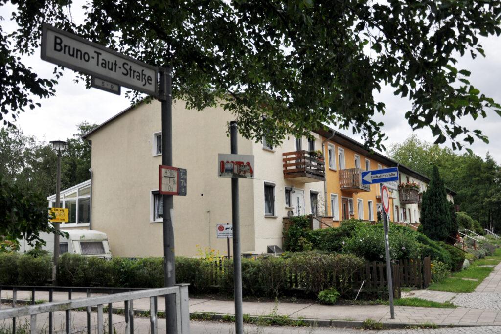 Bruno-Taut-Straße. Foto: Ulrich Horb