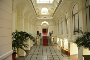 Blick in das Foyer des Abgeordnetenhauses. Foto: Ulrich Horb