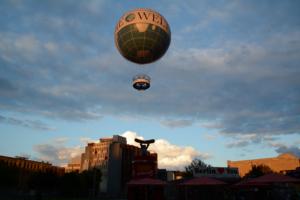 Ballon über Berlin. Foto: Ulrich Horb
